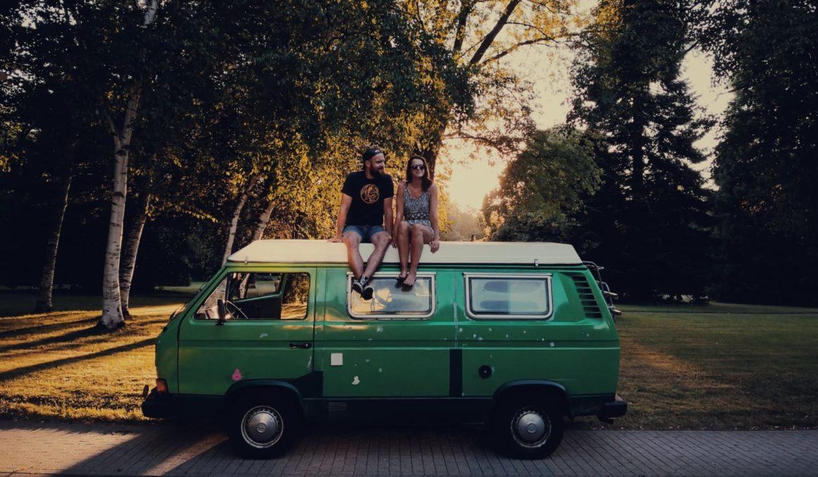 Rettet Tante Happy VW Bulli Couple
