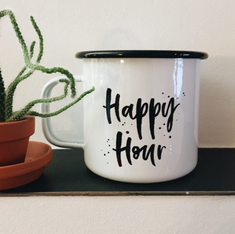 Rettet Tante Happy Emailletasse Happy Hour